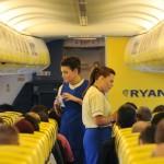 Ryanair recluta assistenti di volo: pubblicate le date italiane per i colloqui (a Venezia il 18 febbraio)